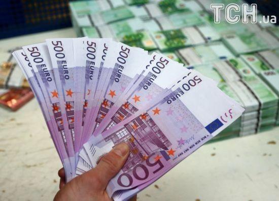 Нацбанк послабить гривню у курсах валют на 25 вересня