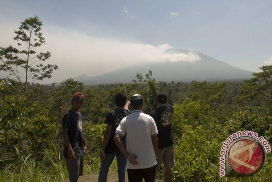 На Балі через пробудження вулкану евакували тисячі жителів
