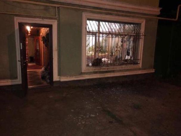 Взрыв вОдессе: вокно дома бросили гранату