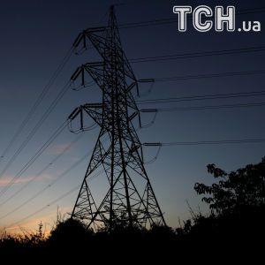 В Украине мощная непогода оставила более сотни населенных пунктов без света