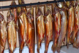 Во Львове десять человек попали в больницу после употребления копченой рыбы, среди них ребенок