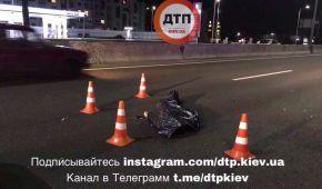 У Києві пішохід-порушник потрапив під колеса легковика, а потім його насмерть переїхала вантажівка