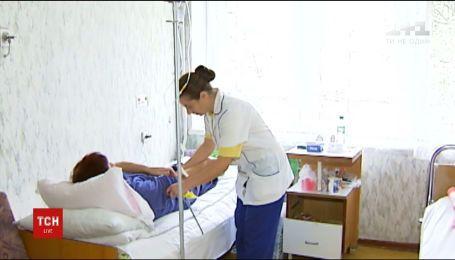 У Львові близько 50-ти осіб отруїлися копченою рибою
