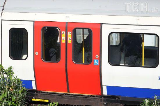 """18-річного """"лондонського терориста"""" засудили до довічного ув'язнення"""