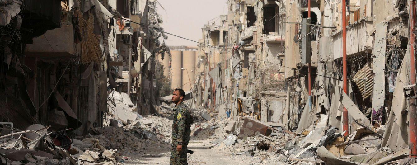 В результате авиаударов коалиции по Ракке погибло почти два десятка человек