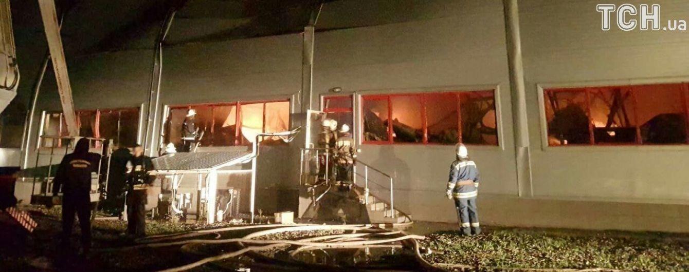 Масштабный пожар на фармацевтическом заводе в Белой Церкви локализован - СМИ