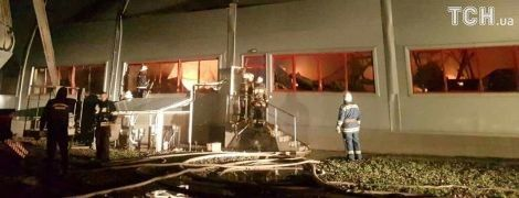 Масштабна пожежа на фармацевтичному заводі у Білій Церкві локалізована - ЗМІ