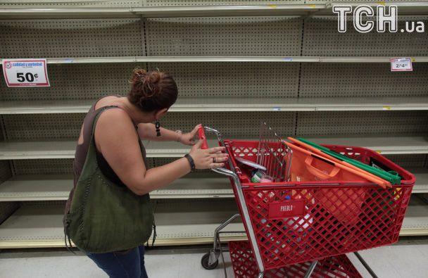"""Чрезвычайное положение и пустые полки магазинов: на Пуэрто-Рико надвигается ураган """"Ирма"""""""