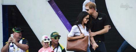 Первые поцелуи на публике: принц Гарри и Меган Маркл вышли в свет в качестве пары