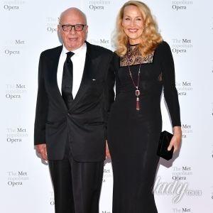 Почти 150 на двоих: 86-летний Руперт Мердок и 61-летняя Джерри Холл на открытии оперного сезона