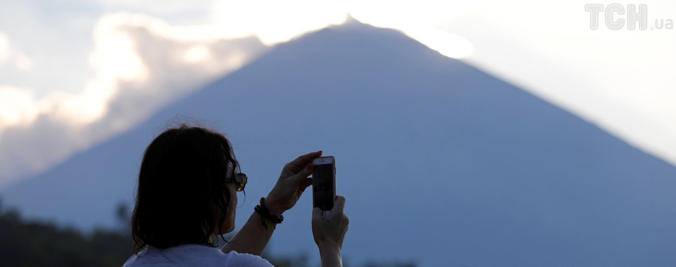Унаслідок виверження вулкану на Балі евакуювали 24 тисячі осіб