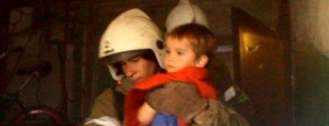 В Полтаве из пожара спасли двух детей и пенсионерку