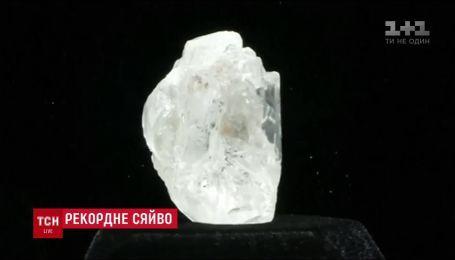 Найбільший діамант сторіччя продали у Канаді