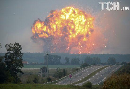 З'явилося відео вибухів у Калинівці з висоти пташиного польоту