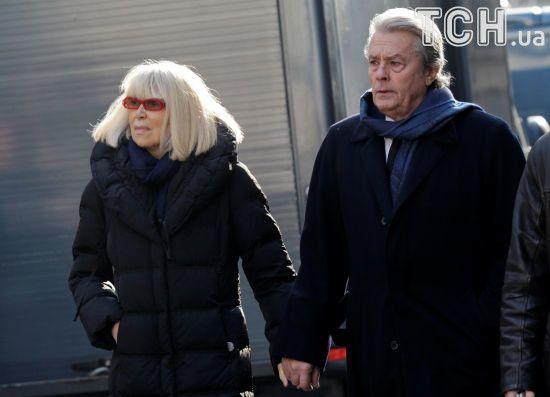 81-річний Ален Делон потрапив до лікарні після похорону його колишньої дружини
