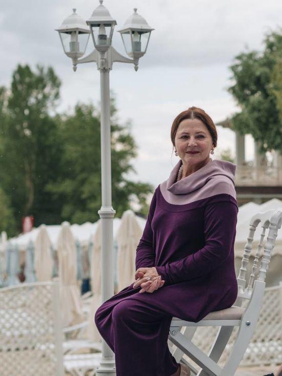 69-річна Ніна Матвієнко повисіла на тросах у спортзалі