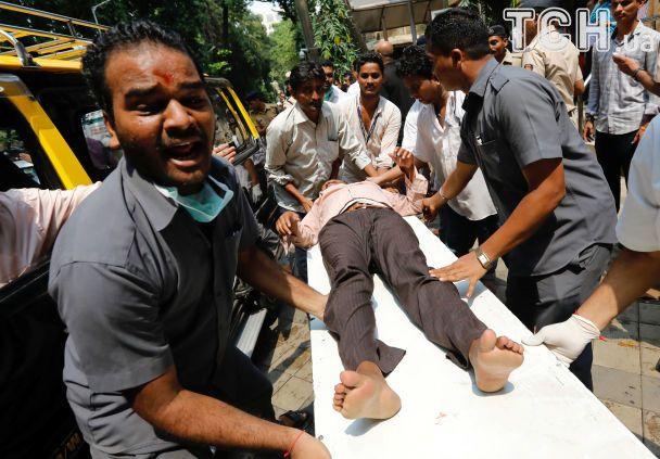 Щонайменше 22 людини загинули через тисняву навокзалі вМумбаї