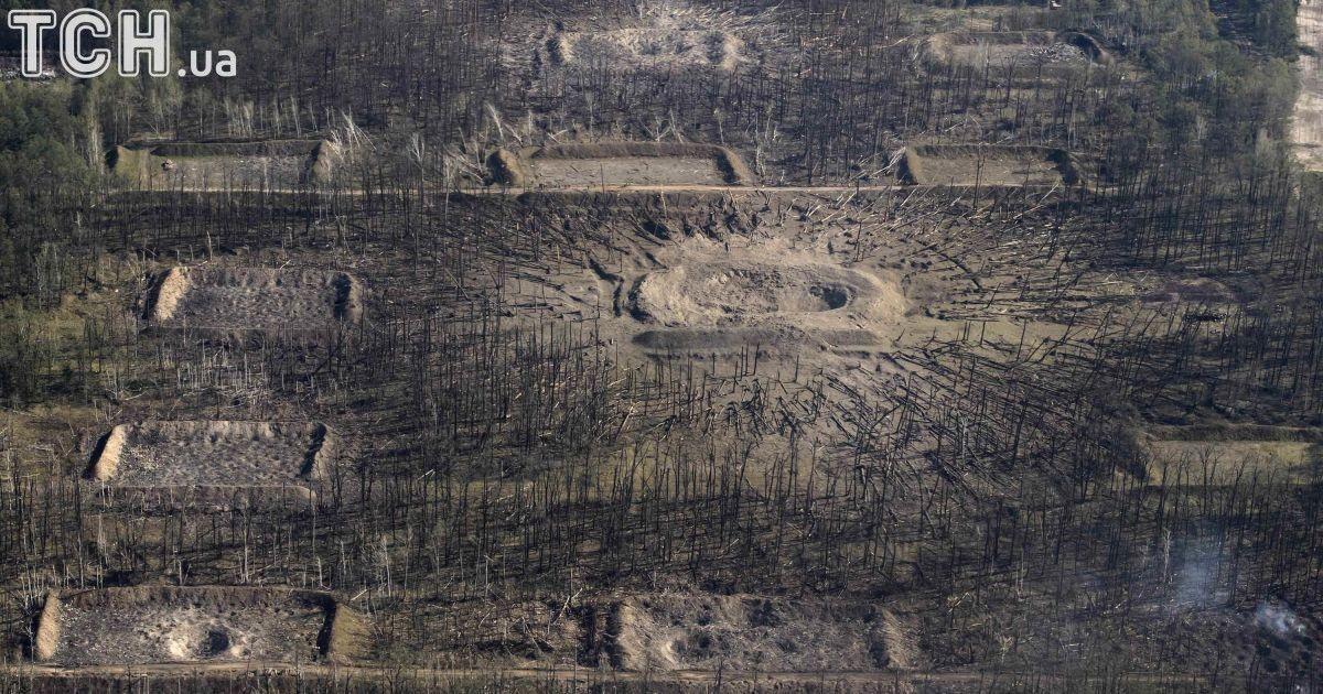Руины и пустота: Reuters показало фото последствий взрывов в Калиновке