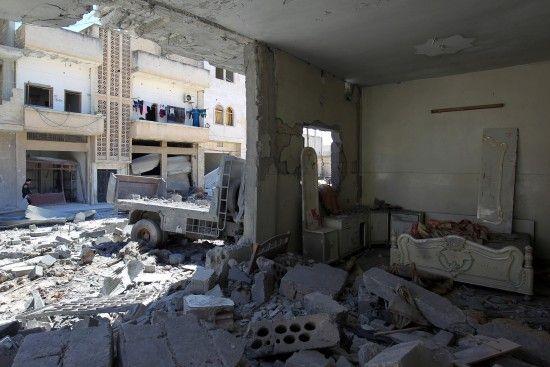Росія похвалилася відео авіаударів у зоні деескалації в Сирії