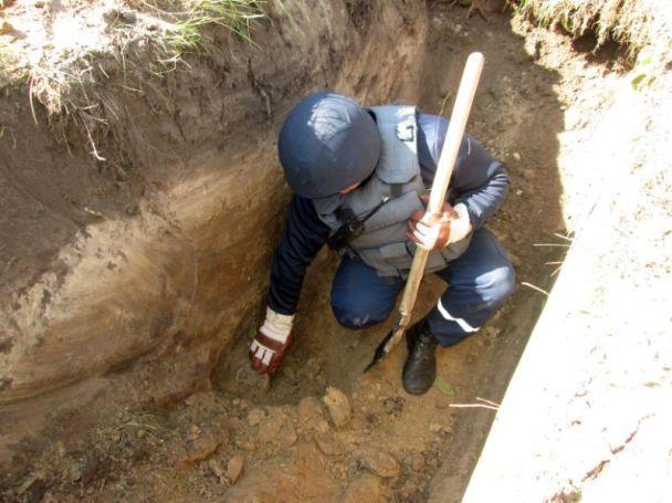 В Калиновке продолжают детонировать боеприпасы. Вокруг нашли больше 430 боеприпасов, которые не разорвались