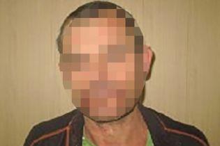 На Запоріжжі чоловік розбив 3-річній дитині голову табуретом