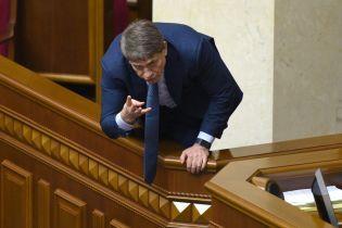 Суд заарештував дві земельні ділянки та авто міністра Насалика через борги перед Димінським