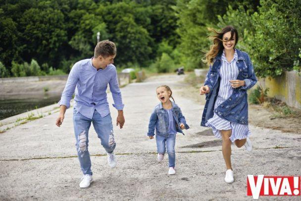 """Ведущий """"Евровидения"""" Остапчук показал жену и маленькую дочь"""
