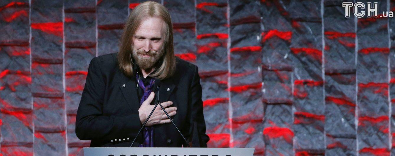 Умер легендарный рок-музыкант Том Петти - СМИ