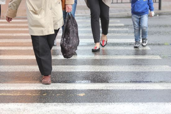 10 нещасних випадків на дорогах щодня. Які засоби можуть врятувати життя пішоходів