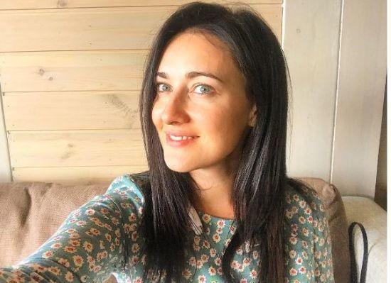 """Соломія Вітвіцька показала, як її """"варили та омолоджували"""" у чані"""