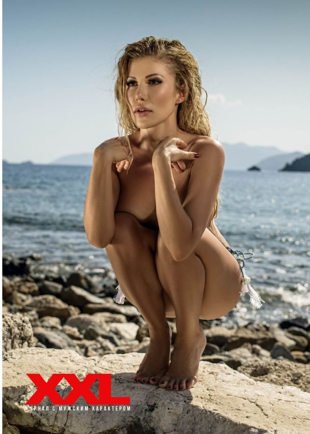 Участница дуэта TamerlanAlena Омаргалиева впервые разделась для мужского глянца