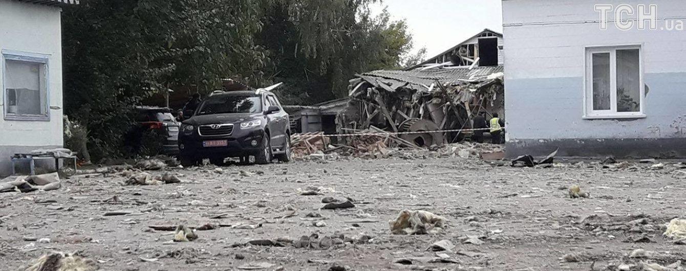 У Сумах вибух зруйнував макаронну фабрику, троє поранених
