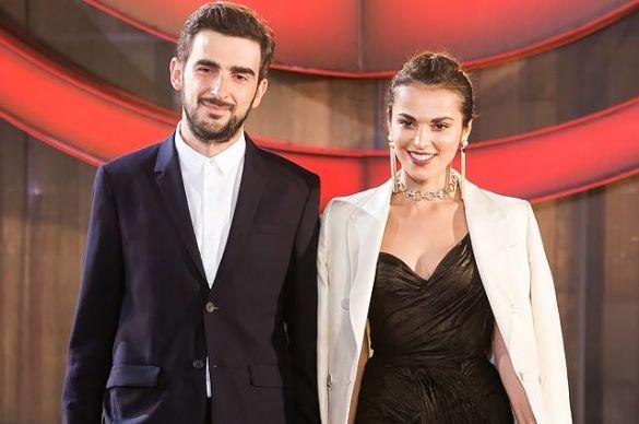 Саті Казанова з чоловіком