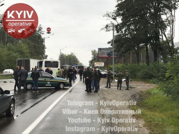 З'явилися фото і відео з місця смертельної ДТП з автобусом Нацгвардії на Київщині
