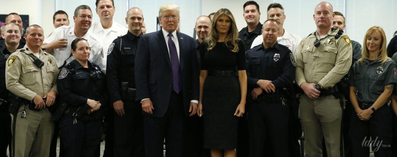 В кашемировом топе и жаккардовой юбке: Мелания Трамп в Лас-Вегасе