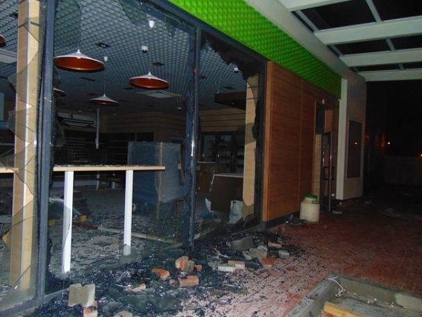 Через сутички на будівництві АЗС у Києві постраждали сім правоохоронців і місцевий депутат