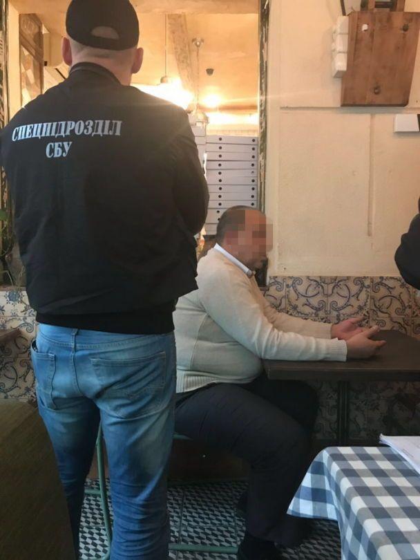 """В Одессе руководство областной дирекции """"Укрпочты"""" уличили во взяточничестве"""
