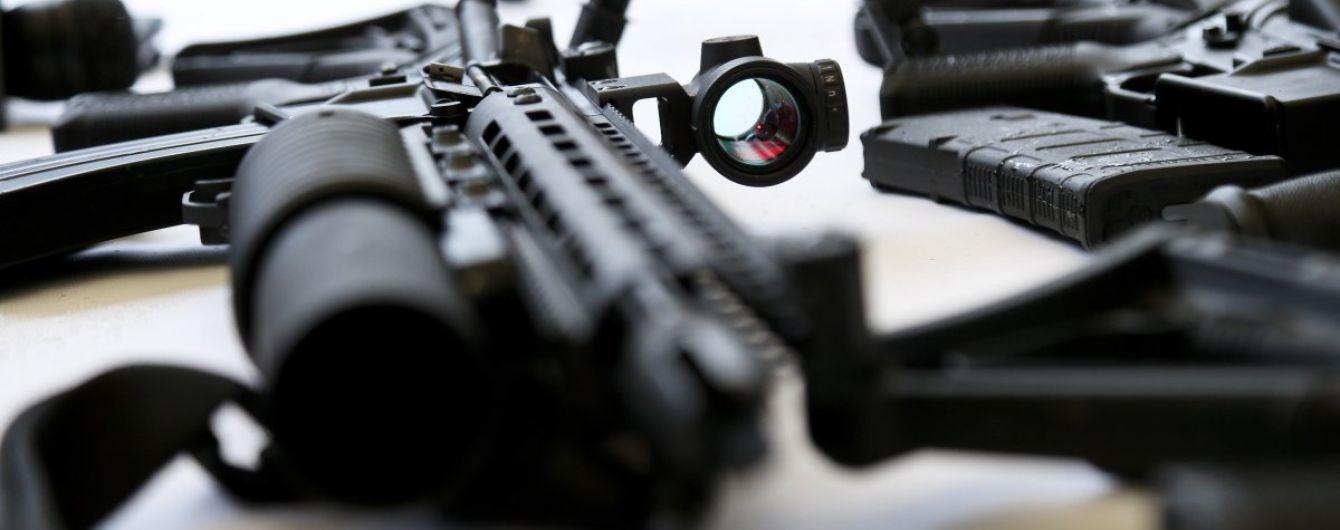 В Чаплинке вблизи границы с АРК солдат прострелил ногу встречному селянину
