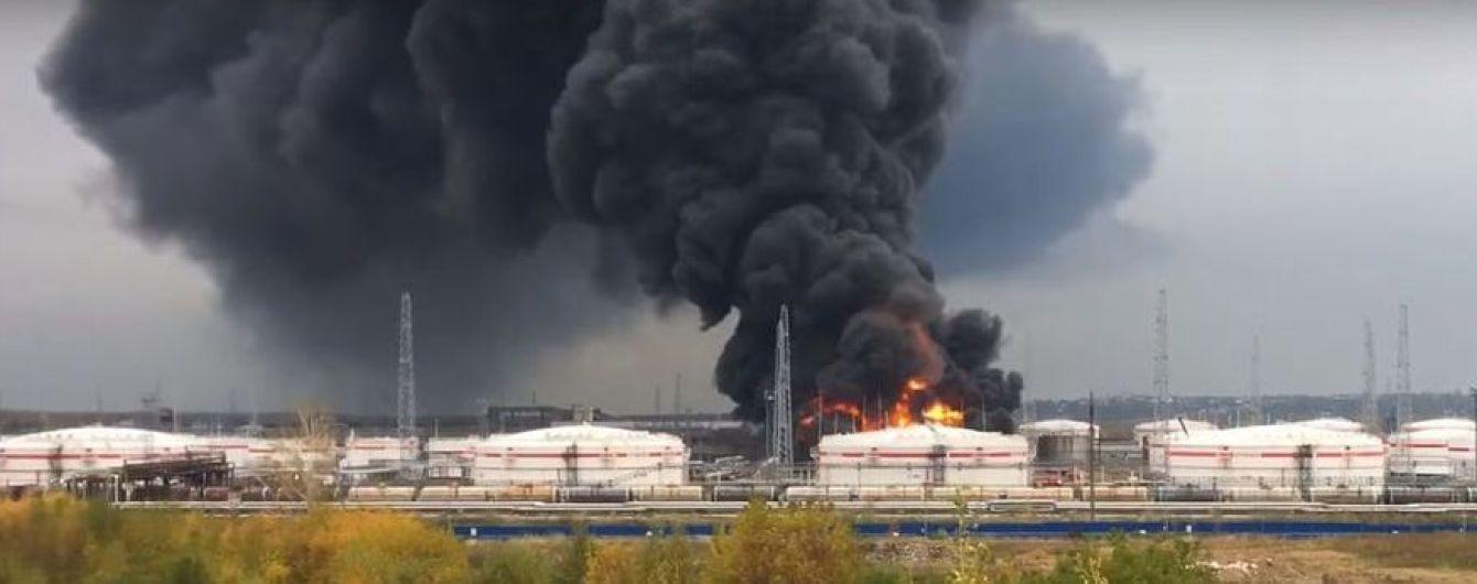 В России взорвался нефтеперерабатывающий завод, есть жертвы
