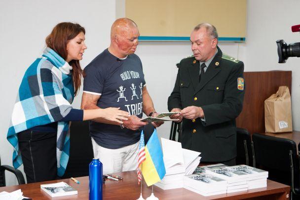 Легендарный американский ветеран Шайло Харрис прибыл в Украину, чтобы поддержать наших героев и их семьи