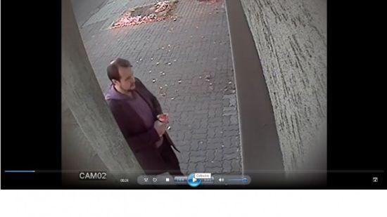 У Польщі затримали вандала, який розмалював свастикою і шибеницею будівлю консульства України