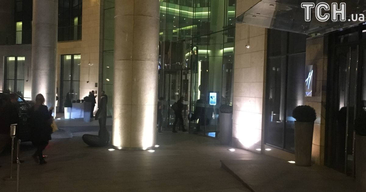Одразу після виступу Стінг поїхав до готелю. @ Фото Валерії Ковалінської/ТСН