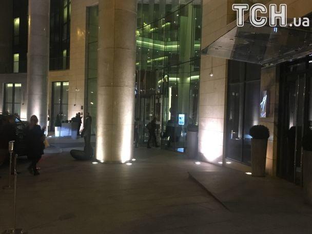 Стинг отыграл грандиозный концерт во Дворце спорта и сразу же поехал в гостиницу