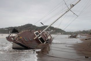 """Ураган """"Филипп"""" набирает обороты для удара по США"""