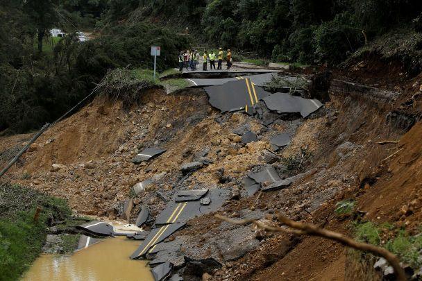 """В Центральной Америке значительно возросло количество погибших в результате урагана """"Нейт"""""""