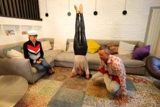"""Бабкины в новом доме исполнили асаны йоги и рассказали о предпочтениях детей в """"Танцях з зірками"""""""