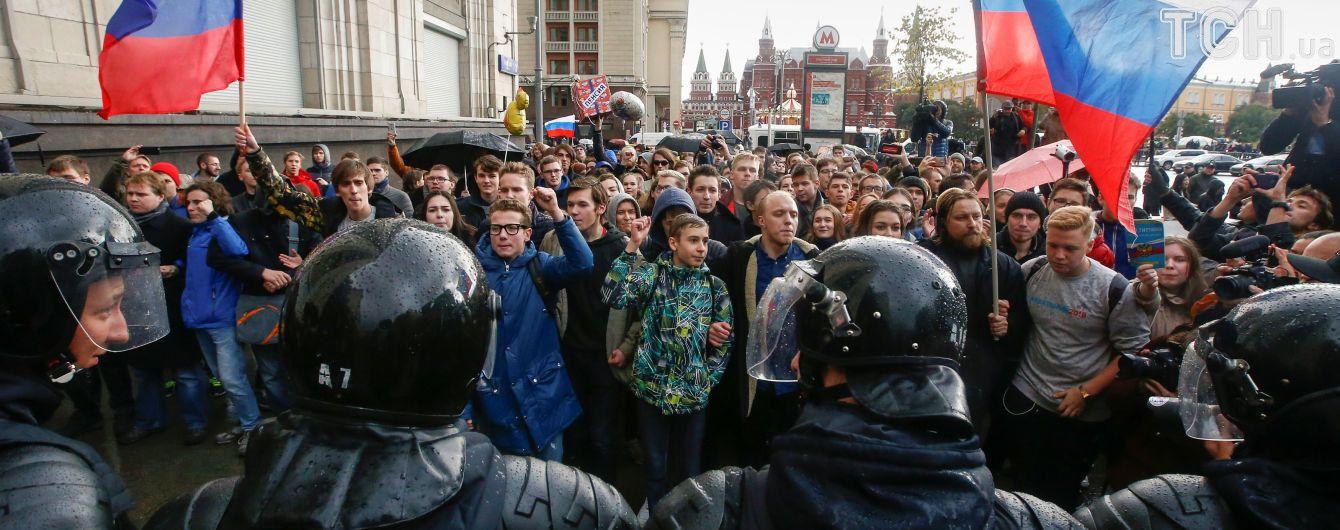 У Росії на акціях на підтримку Навального заарештували майже 300 осіб