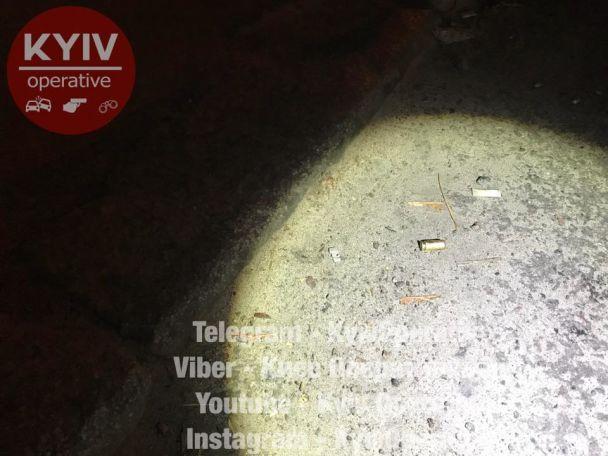 ВКиеве неизвестный открыл стрельбу, есть пострадавшая