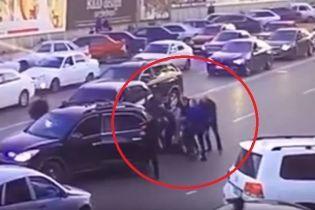 У Дагестані побили і викрали чоловіка, який не поступився кортежу міністра МВС