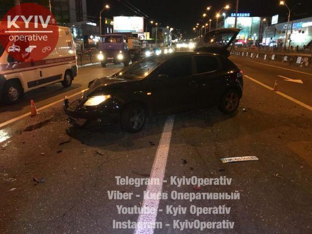 У Києві сталася ДТП на перехресті